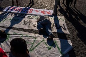 Preparativi del corteo in Piazza Plebiscito - © 2015 - Stefano Santos